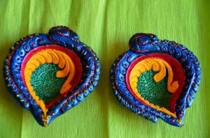 COLOURED DIYAS