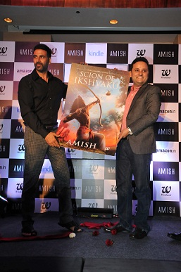 Akshay-Kumar-and-Amish-Tripathi-during-the-Cover-launch-of-Scion-of-Ikshvaku
