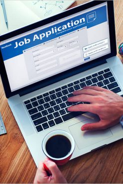 With The Introduction Of 'Apply For Jobs' Feature, Facebook To Compete With LinkedIn