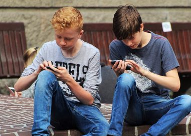 Is there an age for smartphones to be given to children