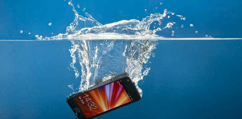 7 Effective Tips to Revive your Mobile from a Water Fall